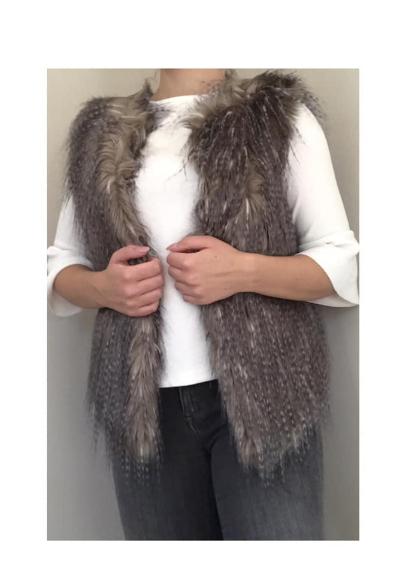 Picture 2:Diverse fake fur gilets dames