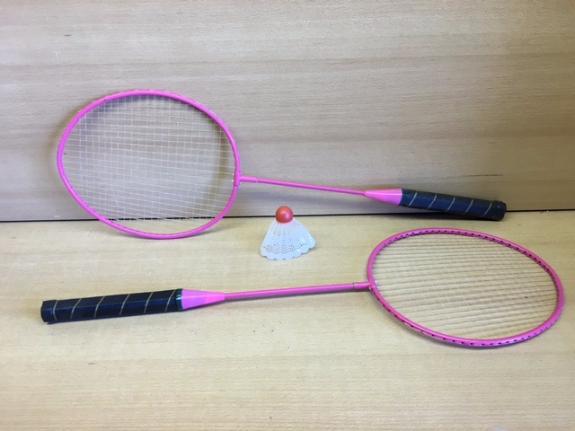 Foto 3:Badmintonsets  2x racket met shuttle