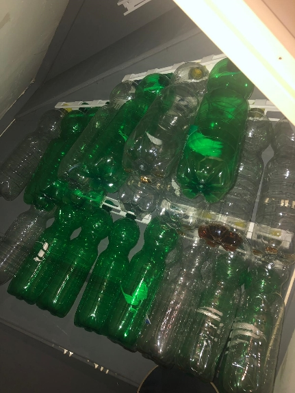 Picture 2:Flessenhouder voor lege flessen