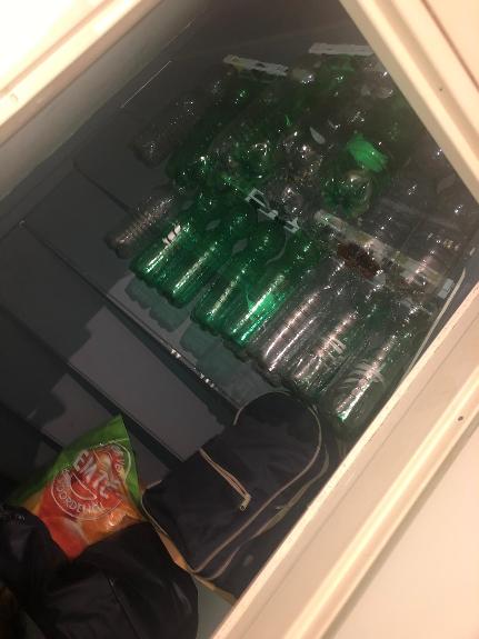 Picture 3:Flessenhouder voor lege flessen