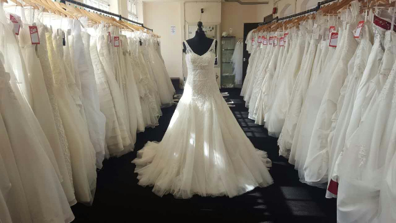 Picture 3:New wedding dresses stocklots